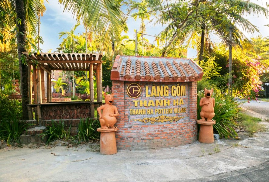 Thanh Ha Pottery Village- Hoi An Private Taxi
