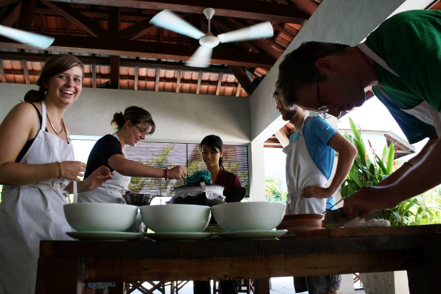 Red Bridge Cooking Class- Half Day Tour
